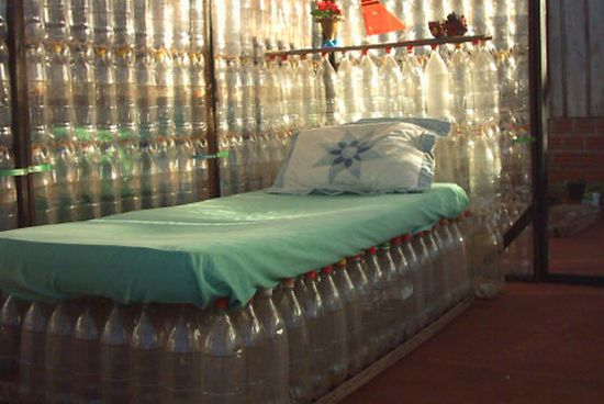 Мастер класс из пластиковых бутылок диван